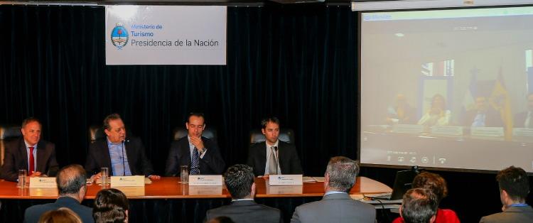 El lanzamiento se hizo de forma simultánea en Buenos Aires y Madrid