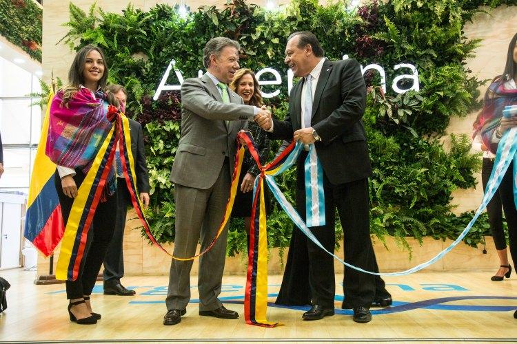 El ministro Santos y el presidente de Colombia, Juan Manuel Santos