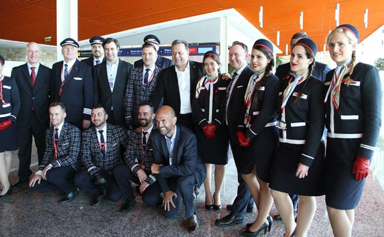 Junto con la tripulación del primer vuelo de Norwegian
